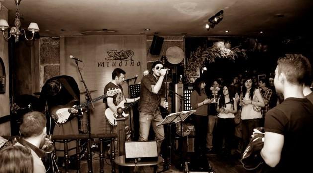 Concierto de the covers band ocio en ourense agenda de for Sala queen pontevedra